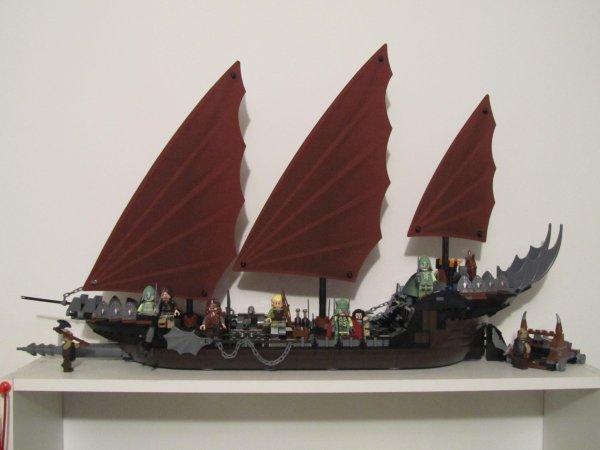 Le bateau des pirates d'Umbar LEGO