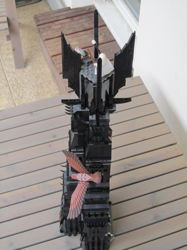La tour d'Orthanc LEGO