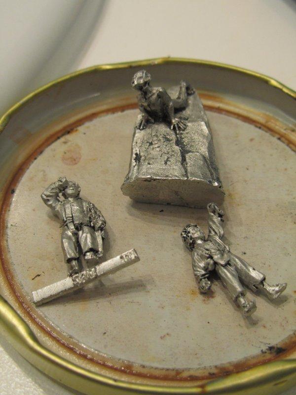 """Ma technique de décapage pour les figurines """"métal"""""""
