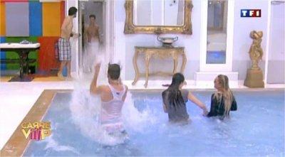 Carré ViiiP : c'est la folie dans la piscine !