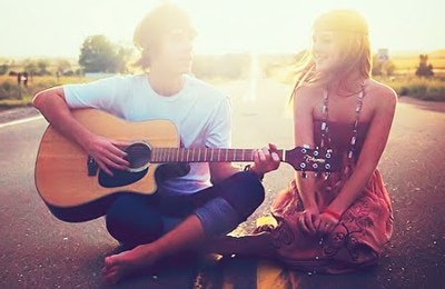 Une histoire d'Amour ne se raconte pas elle se vit, elle se ressent au plus profond de sois. Les mots ne sont pas assez fort pour pouvoir décrire réellement une histoire d'amour...