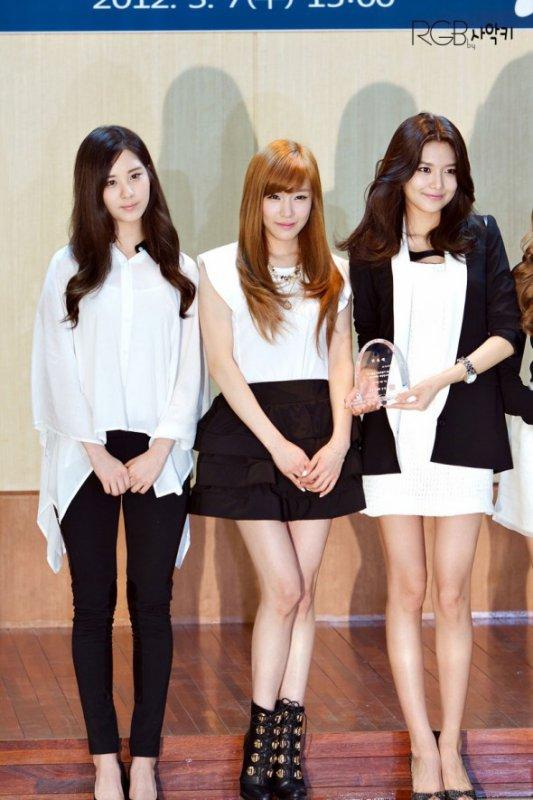 Les Girls Generation sont les nouvelles RP du quartier de Gangnam 2012