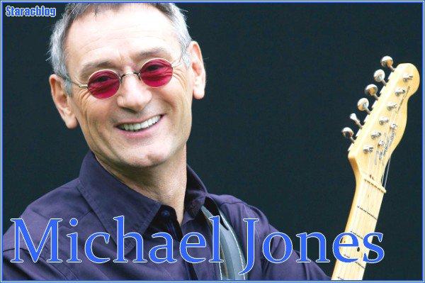 Michael JONES :  Répétiteur