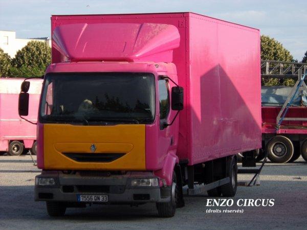 le camion du matériel son et lumières