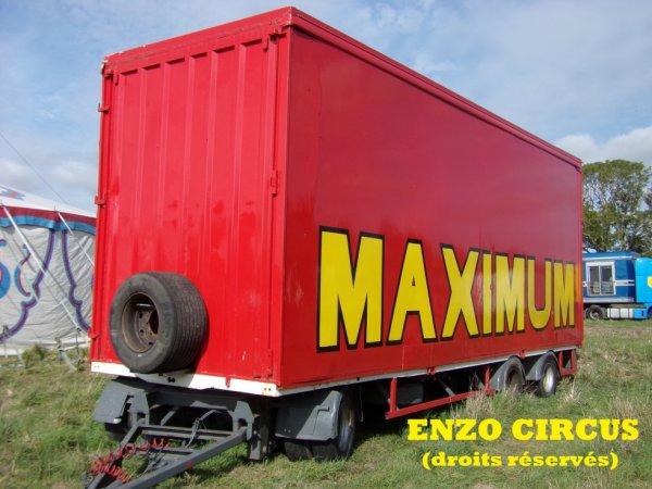 Une autre remorque du cirque Maximum