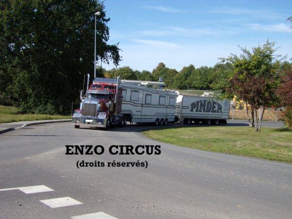 Le convoi de Frédéric Edelstein, emmené par son Kenworth W900, arrive enfin...