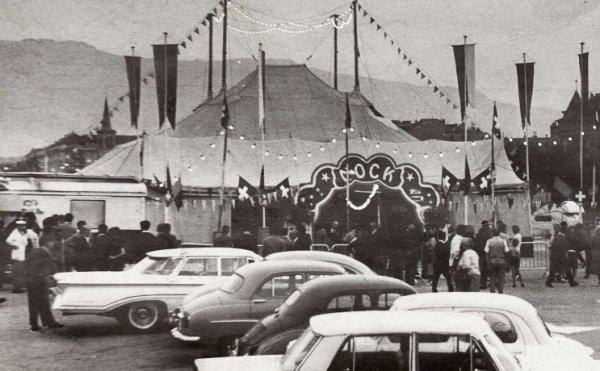 La façade du cirque dans les années 60
