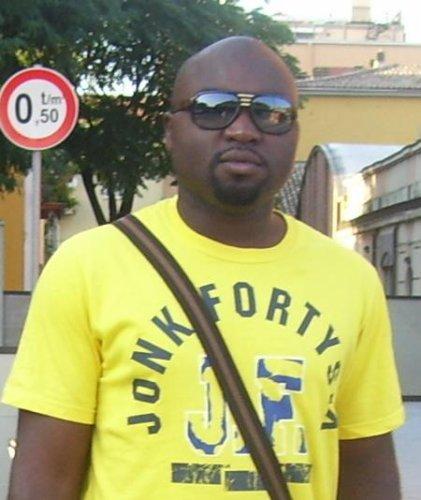 DJ Robinson N°1 DJ in Italy    robinson_wsm@yahoo.fr    0039 327 8139187