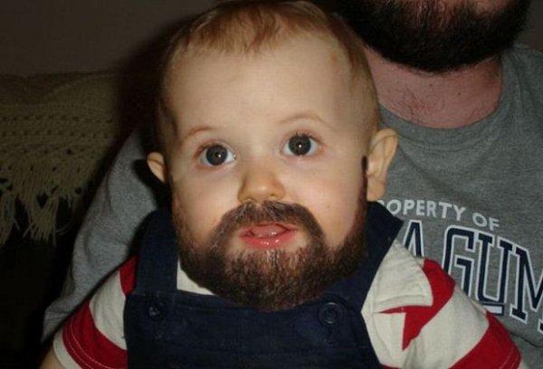 putin un bébe qui a de la barbe