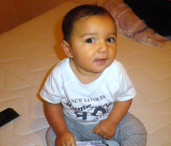 mi fils la il a9 mois