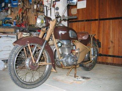 motobecane z22c avant restoration moto becane. Black Bedroom Furniture Sets. Home Design Ideas