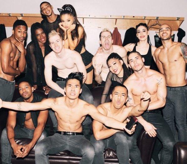 Ariana et ses danseur/seuse !