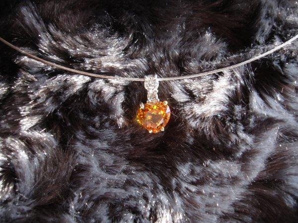 Pendentif saphir coeur/diamants