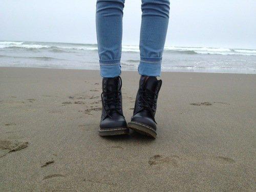 Ce qui sauve, c'est de faire un pas. Encore un pas. C'est toujours le même pas que l'on recommence.