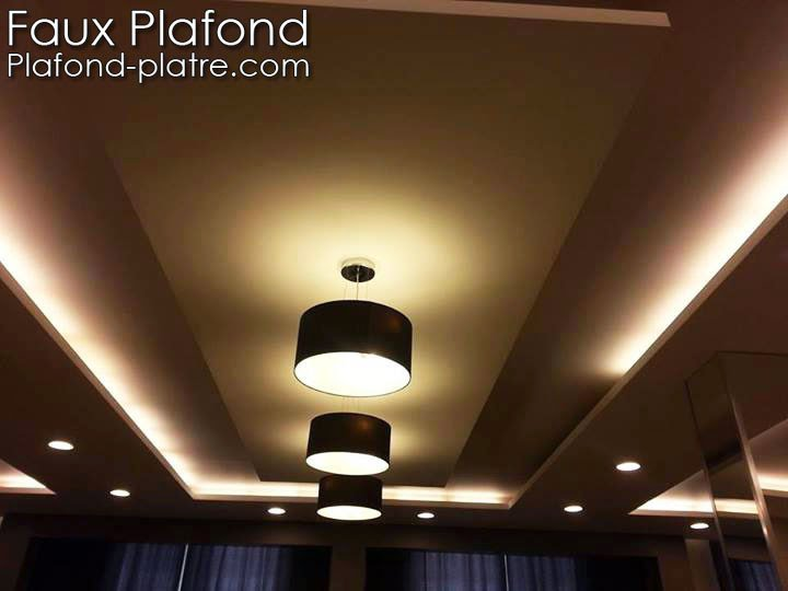 plafond platre en beige et marron faux plafond suspendu. Black Bedroom Furniture Sets. Home Design Ideas