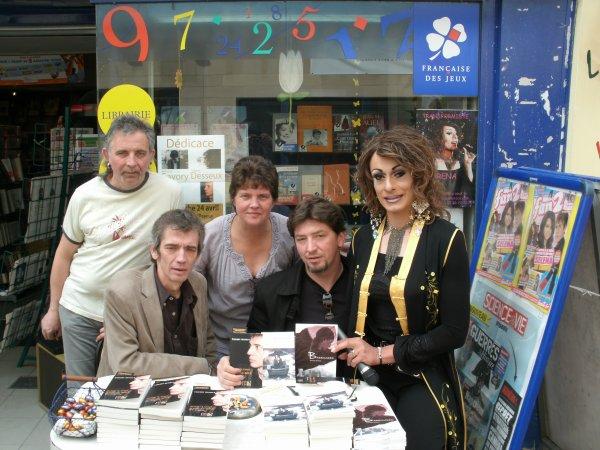 Scéance de Dédicaces de deux auteurs au Mag Presse à Cosne le 24 Avril 2011