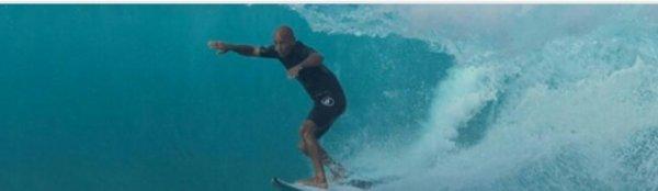 La Réunion: le surfeur Kelly Slater pour l'abattage de requins