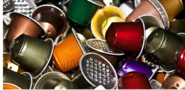 Hambourg bannit les capsules de café et l'eau en bouteille