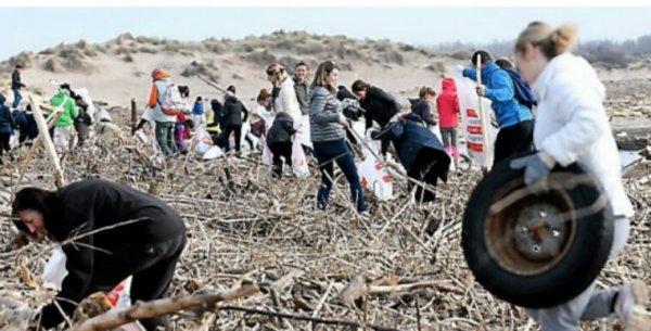 Hérault : près de 3 tonnes de déchets ramassés sur les plages