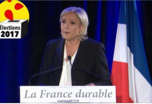 Si elle est élue présidente, la candidate du Front national publierait un décret annulant la décision de Ségolène Royal.