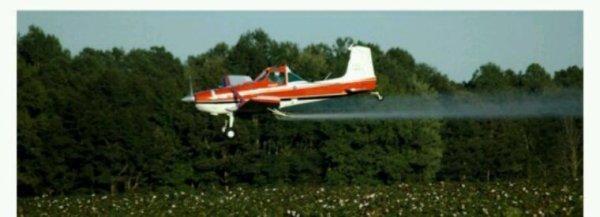 Le gouvernement Macron remet en cause l'interdiction de l'épandage aérien de pesticides
