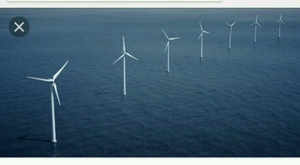 Ecosse: la première ferme d'éolien flottant au monde produit des électrons
