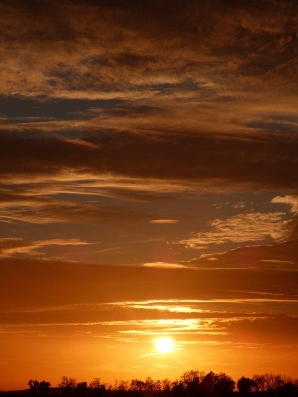 coucher de soleil de chez moi >w< Pas mal non ?? U.U