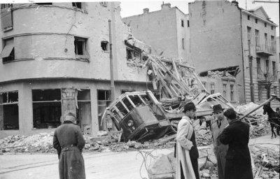 Chapitre 10 - L'invasion de la Yougoslavie , du 6 avril 1941 au 17 avril 1941 , l'afrond de Pierre II à Hitler.