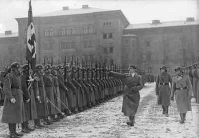 5- Hitler scelle le destin de l'URSS et de l'Allemagne , la fin des espoirs ....