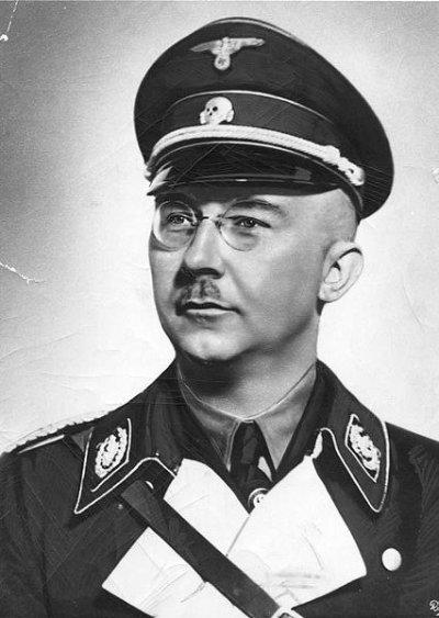 48 - Heinrich Himmler Reichsführer-SS GRAND Criminel contre l'humanité chef de la SS de la Gestapo et de la Deutschen Polizei.