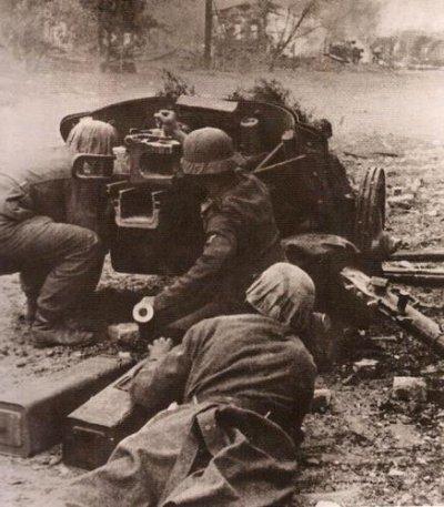 59 - La bataille du Saillant de Losovaïa du 12 au 27 mai 1942 , von Bock façe à Timochenko, échec et math.