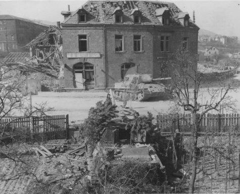 113 - La grande Débâcle 4 - En territoire ennemi ( 2eme Partie ) Les Frontoviki dans l'enfer de Budapest  : du 24 décembre 1944 au 11 février 1945 .