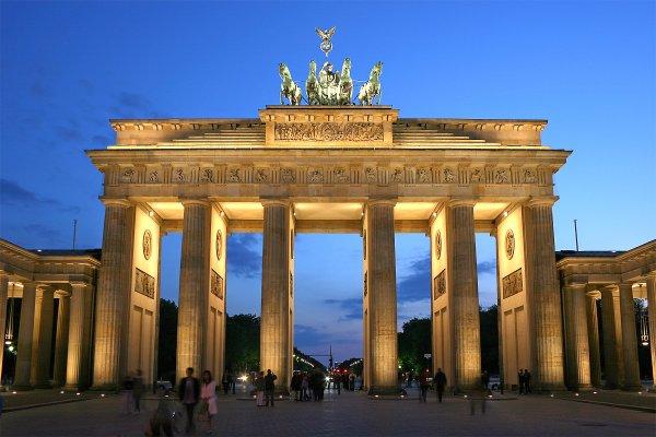 127 - De Berlin la Vieille à la future Grande Germania le projet grandiose Speer / Hitler , Historique de la Grande Cité Germanique jusqu'en 1945.