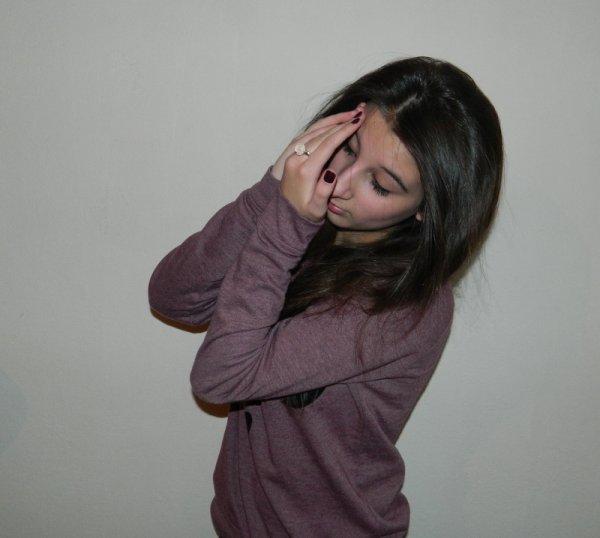 Je me cache pour rêver, me cache pour aimer, car pour vivre heureux Il faut vivre cacher .
