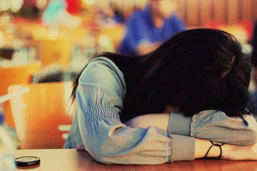 Les mots sortent facilement de la bouche de ceux qui les prononcent,mais sont plus dur a oublier pour ceux qui les entendent.