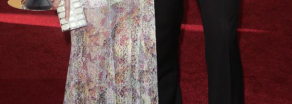 """29/01/12 - Michael en compagnie de Jenna sur le tapis rouge des """"Screen Actors Guild Awards"""" à Los Angeles ! Michael est vraiment magnifique. Quelle classe dans ce costard ! Dommage qu'il ne fasse pas des apparitions de ce genre plus souvent."""
