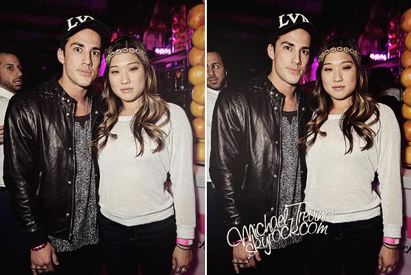 19/04/12 - Michael a été photographié en compagnie de Jenna au théâtre « Belasco » à Los Angeles !