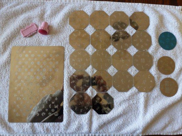 Materiel pour le stamping, plaques, tampon, raclette et vernis pigmentés