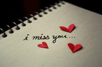 Parfois, je pense à toi et je sourie. Parfois, je pense à toi et je pleure...