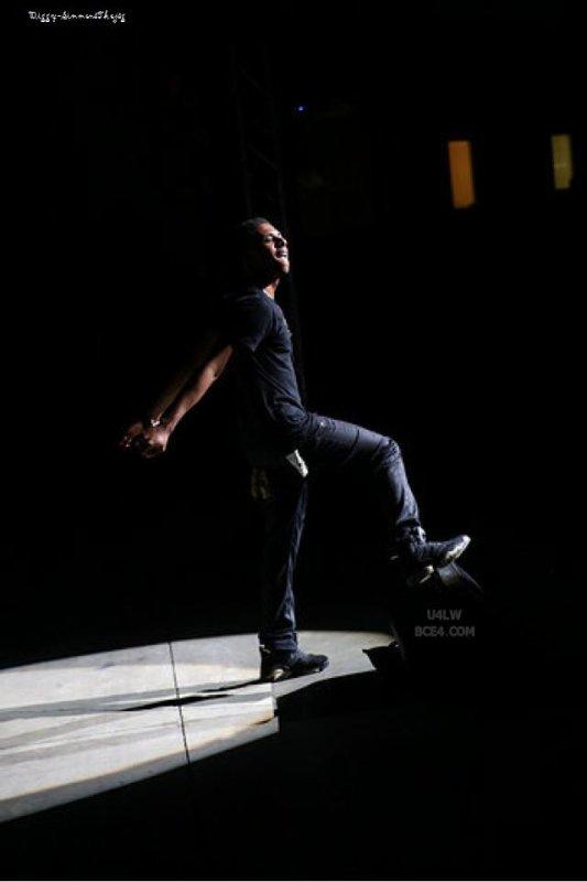 22 Juin 2013: De nouvelles photos de Diggy sont apparus lorsqu'il était au Call To Peace Concert à Carowinds