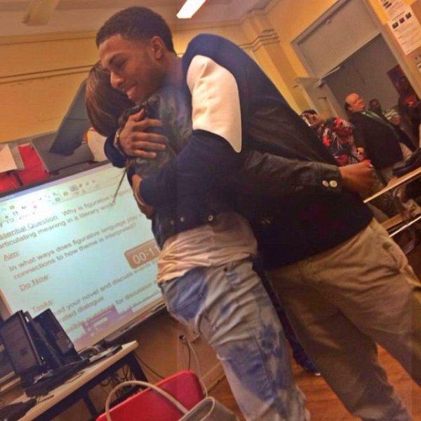 15 Mai 2014: Diggy s'est de nouveau rendu au New Era Academy à Baltimore (Get Schooled)