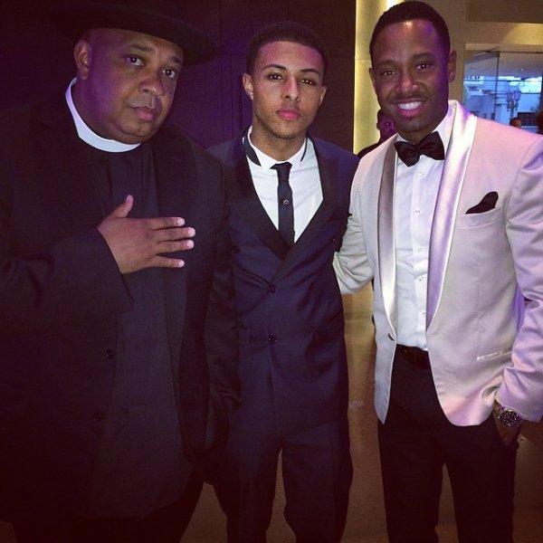 29 Juin 2014: Après avoir été interviewé, Diggy s'est rendu ensuite au Pré Awards Dinner en compagnie de son père et de nombreuses autres célébrités