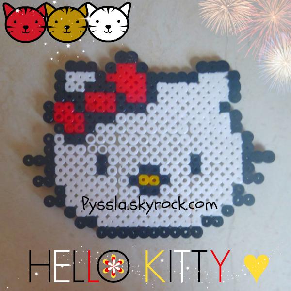 Hello Kitty ? Plus 2,5 millons gens l'ont connu même aujourd'hui ! Même toi qui le connaît ! Hello Kitty est un jouet, un doudou, un décor.
