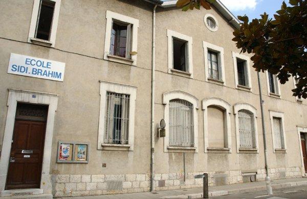 A Grenoble une école porte le nom de Sidi Brahim.