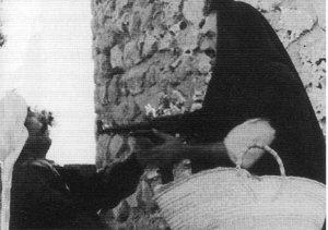 Histoire du cinema algérien: Du cinéma colonial au ciméma de l'indépendance par Benjamin Stora .