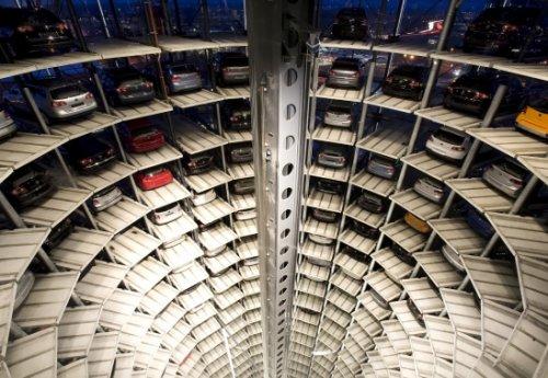 A défaut de Parkings et avec ce nombre accru de voitures.Comment faire pour stationner en ville? par Dr DOUAR