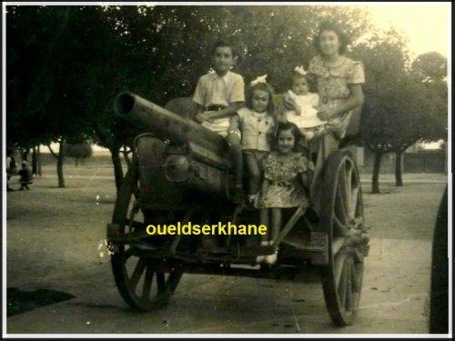 Les deux Tanks « obusiers » du village de Sidi Brahim... il fut un temps !