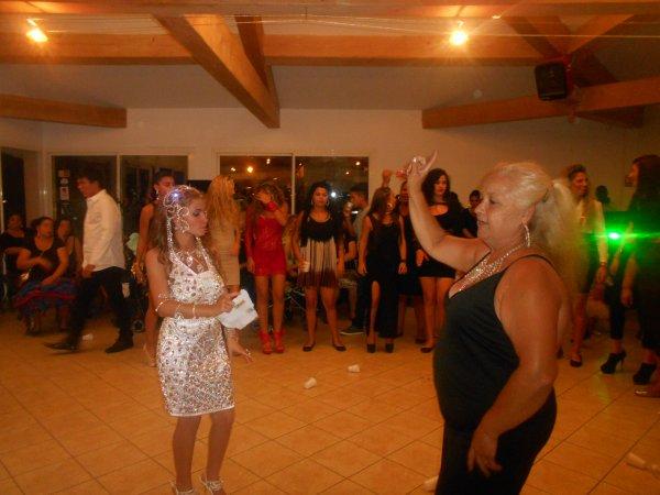 melina et sa grand mere nine kan il danse
