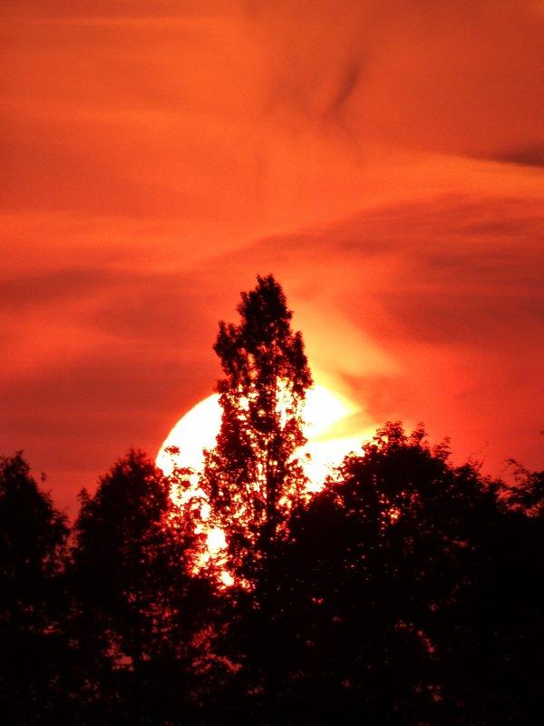 Le soleil se couche toujours à l'ouest mais pas dans les mêmes conditions!