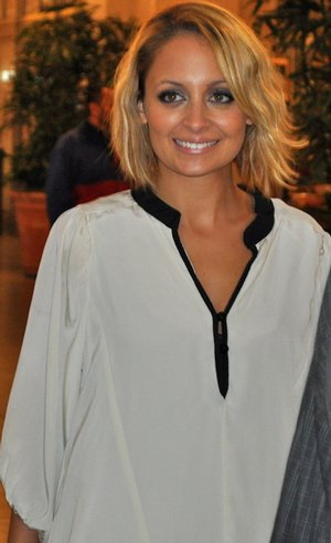 Nicole passe par la case coiffeur